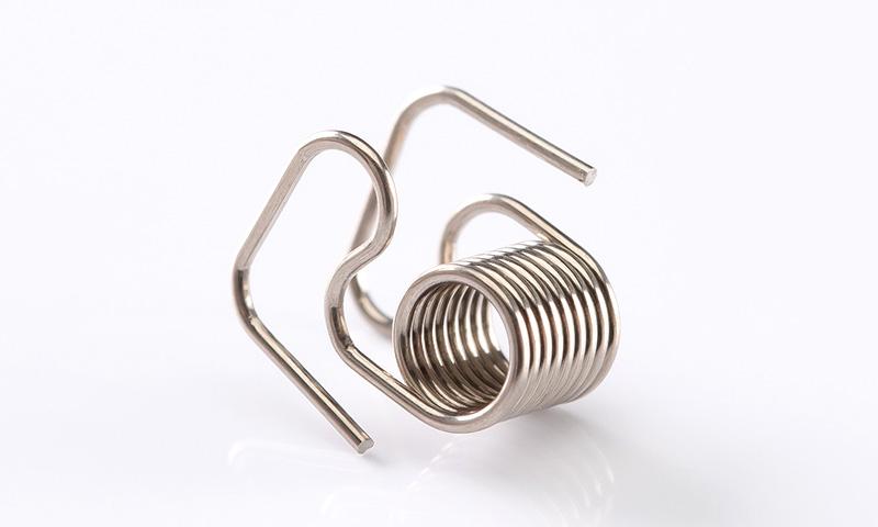 製品画像4:捻りコイル&ワイヤーフォーミング - ミクロ発條